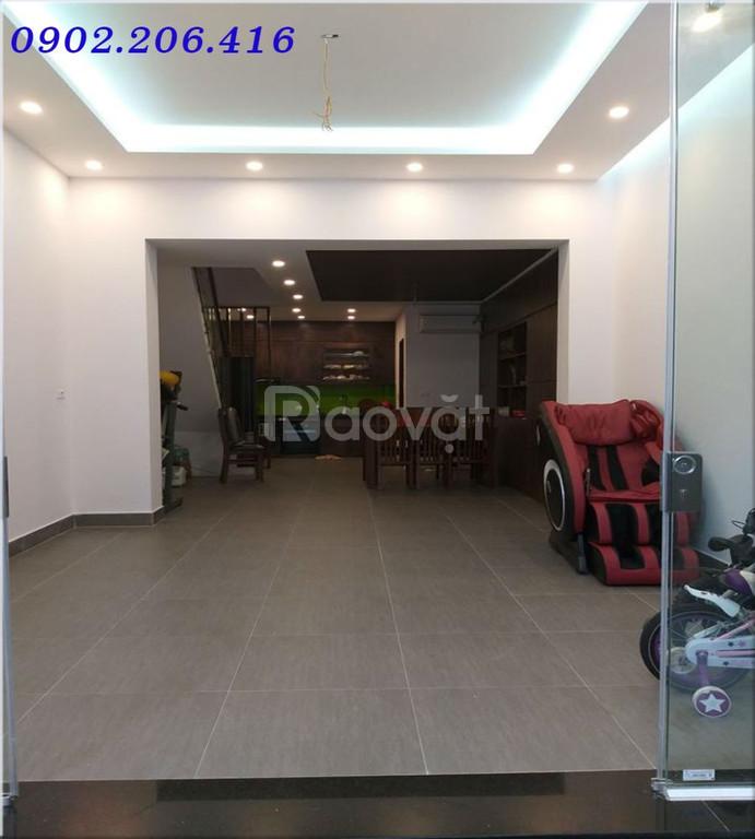 Bán nhà mặt ngõ Thịnh Hào, ô tô qua nhà 65m2*3 tầng
