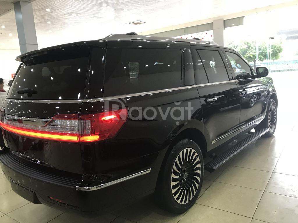 Bán Lincoln Navigator L Black Label màu đen, nội thất nâu đỏ, mới 100%