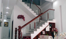 Nhà mới thiết kế hiện đại vị trí đẹp thuận lợi kinh doanh cam kết