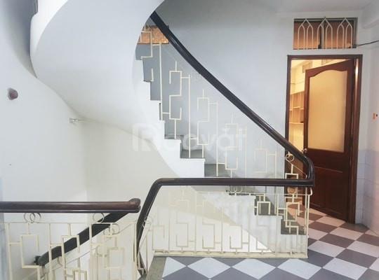 Nhà Huỳnh Văn Bánh cách mặt tiền 1 căn nhà, 4 tầng BTCT, 35m2, 6 tỷ