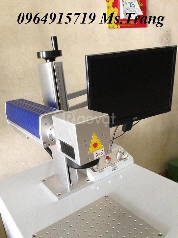 Máy Laser Fiber khắc kim loại mang lại sự chuyên nghiệp