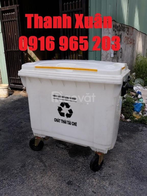 Xe rác 660 lít màu trắng, thùng rác màu trắng 660 lít nhựa hdpe