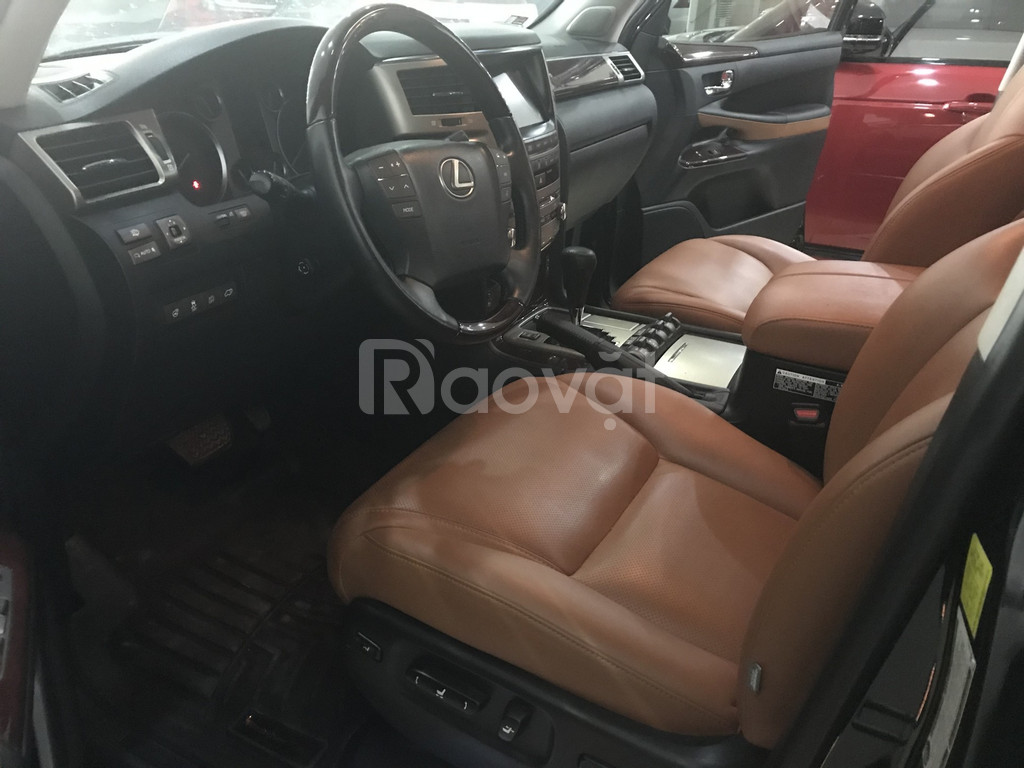 Lexus LX570 sản xuất 2014, đăng ký 2015, màu đen, nội thất nâu