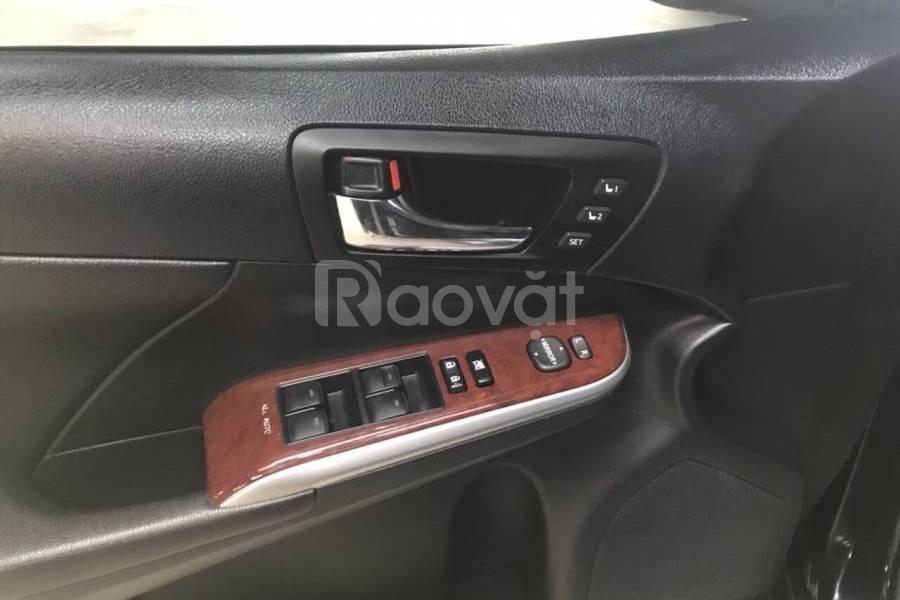 Bán Toyota Camry 2.5Q số tự động - vàng cát/đen