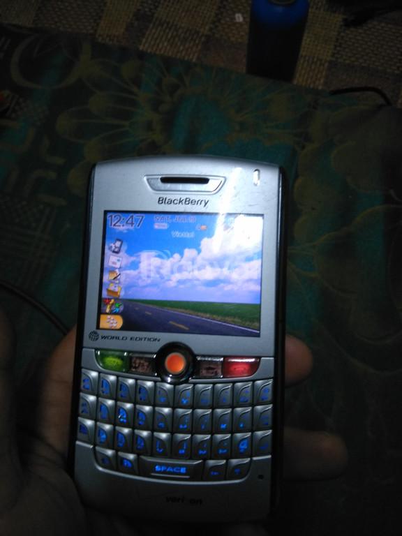Blackberry 8830 chính hãng, 450k, đẹp rẻ
