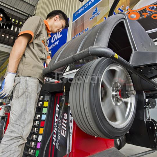 Tuyển gấp 10 thợ lốp ô tô hoặc 10 lao động phổ thông