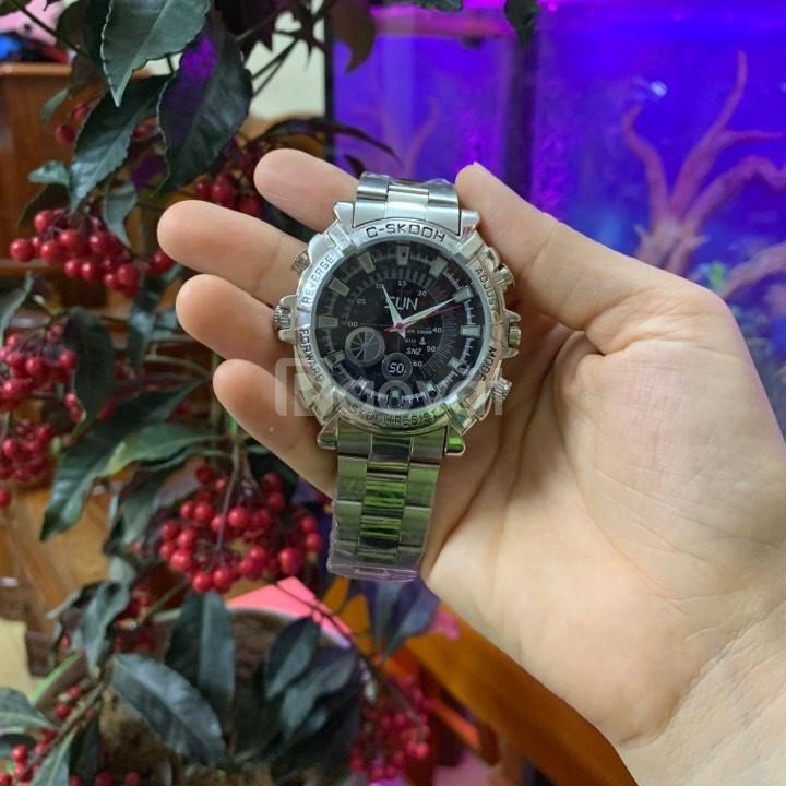 Camera quay lén đồng hồ đeo tay ngụy trang khó phát hiện