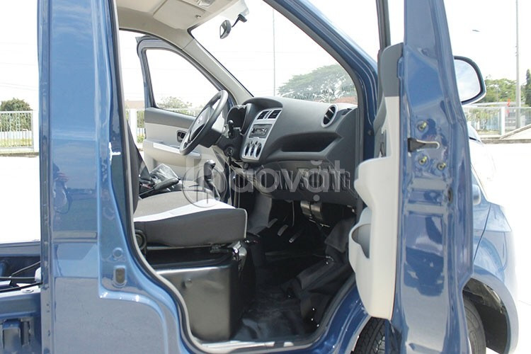 Xe tải nhẹ 990Kg Tera100 động cơ Mitsubishi