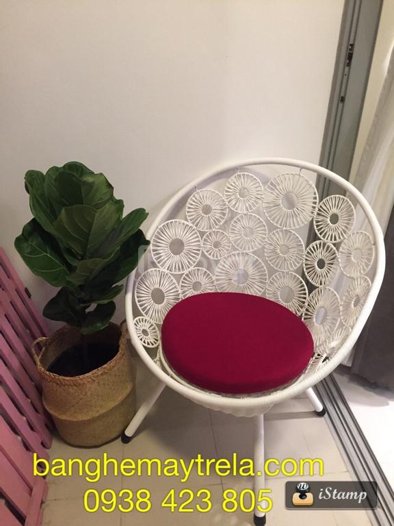 Bàn ghế đan hoa đồng tiền