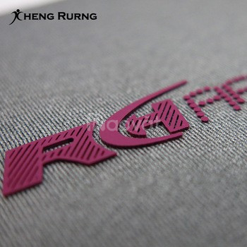 Sản xuất logo pvc, silicon, cao su trong may mặc