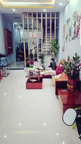 Bán nhà đẹp 41m2 ngõ 168 phố Hào Nam giá 4,15 tỷ.