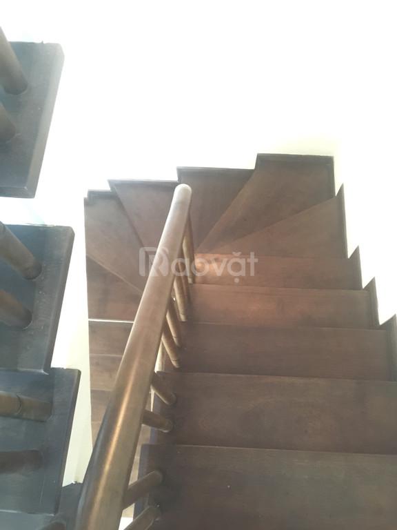Bán nhà tại Ba Đình, có sân rộng để xe, 37m2, xây mới 5 tầng, 3.7 tỷ