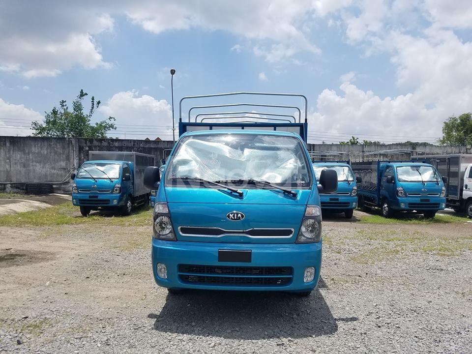 Xe tải KIA K250 thùng mui bạc, thùng dài 3.5m
