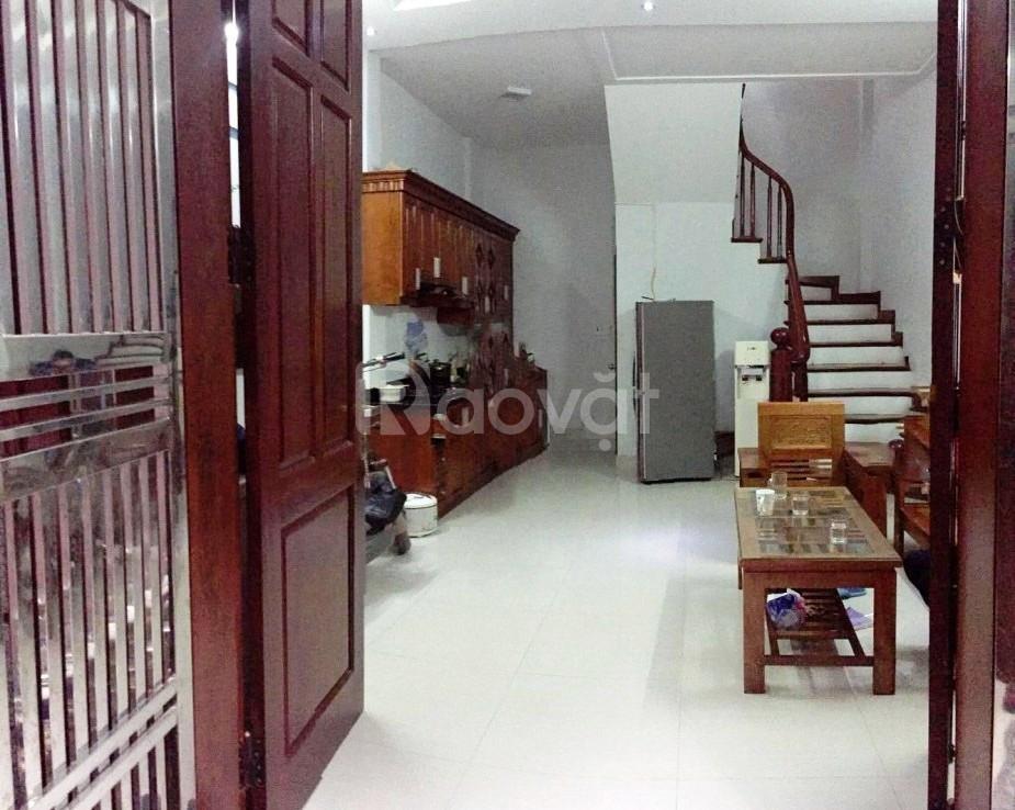 Chính chủ bán gấp nhà ngõ 27 Võ Chí Công, 35m2 5 tầng, mặt tiền 5m