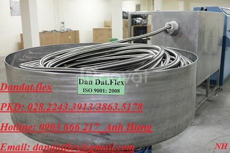 Ống ruột gà lõi thép bọc lưới và ống thép luồn dây điện bọc nhựa
