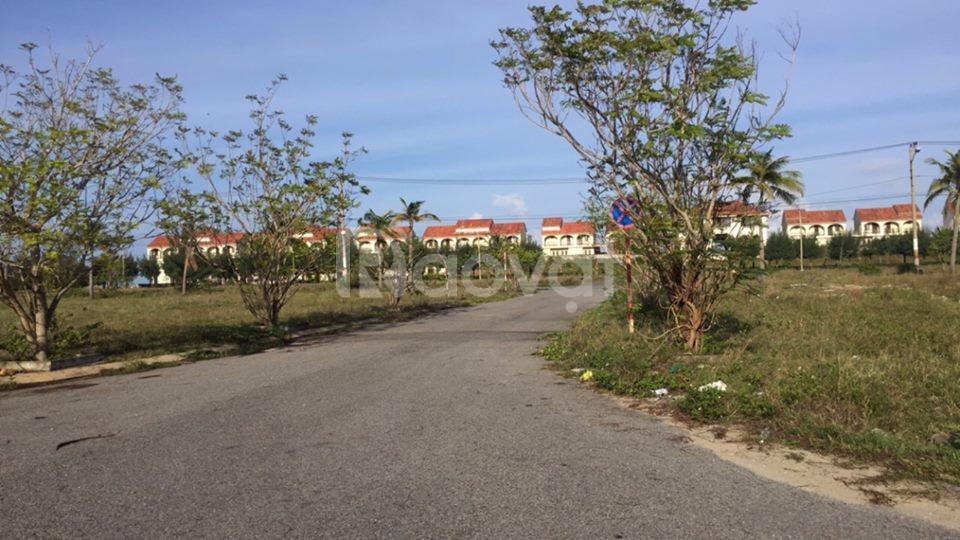 Tôi cần bán lô đất cạnh KS Mường Thanh Hội An, giá 25tr/m2