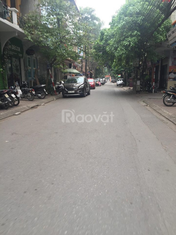 Cần bán gấp căn nhà 2 tầng kinh doanh đỉnh Trần Thái Tông