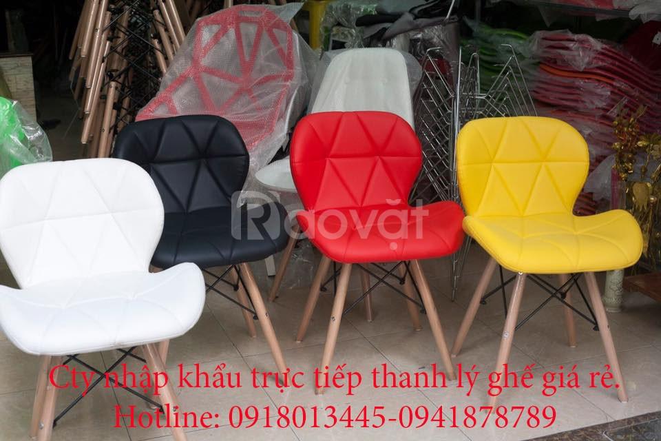 Thanh lý ghế đệm chân gỗ nhập khẩu giá rẻ.