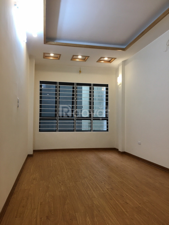 Nhà ngõ 622 Minh Khai, Hai Bà Trưng, 35m2, 5 tầng, ngõ 2 ô tô tránh