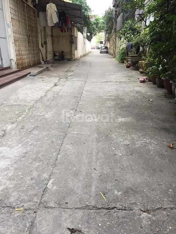 Nhà ngõ 32 Hào Nam 40m2x3T, ô tô đỗ