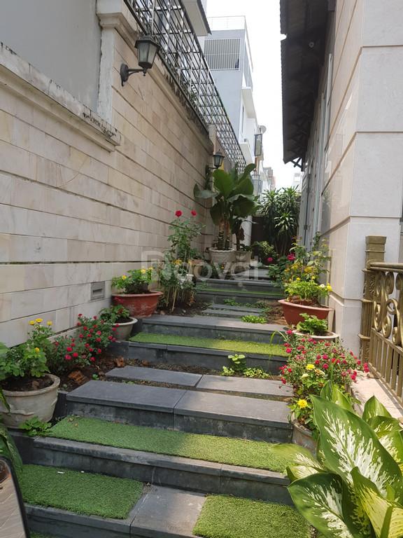 Cho thuê biệt thự 10mx20m MT đường Số 3 khu biệt thự Him Lam