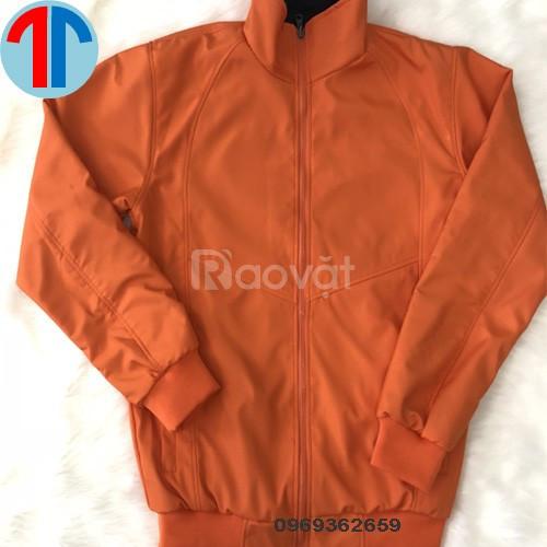 Công ty may áo khoác đồng phục theo yêu cầu