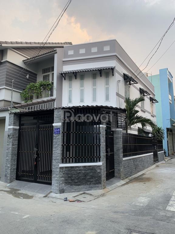 Bán nhà góc 2 mặt tiền Bình Hưng Hòa A, Bình Tân, thiết kế đẹp, giá rẻ