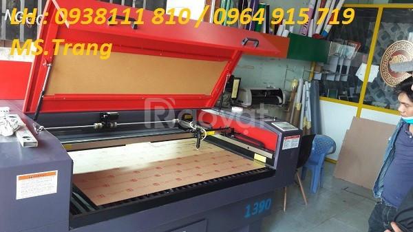 Máy laser 1390 cắt quảng cáo, máy laser 1390 cắt vải giá rẻ