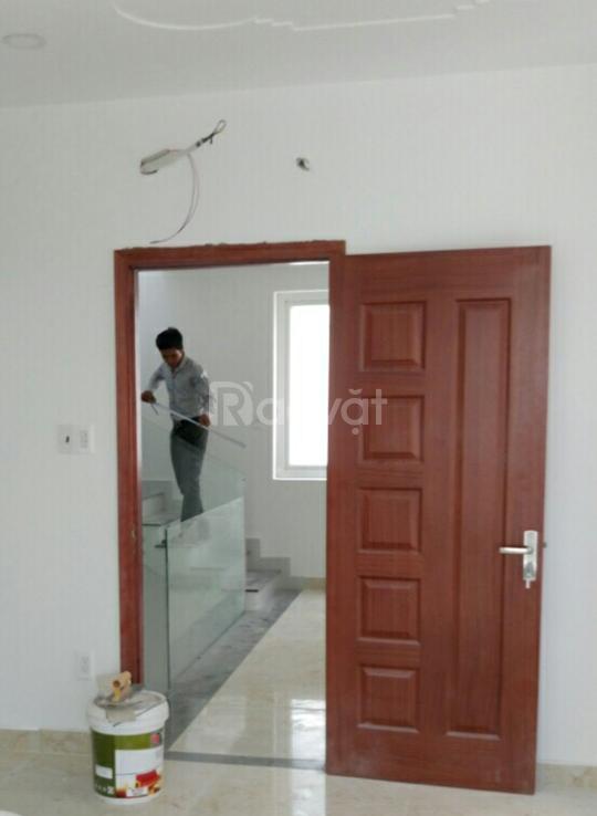 Cửa gỗ giá rẻ hiện nay, cửa phòng ngủ cho nội thất trong nhà