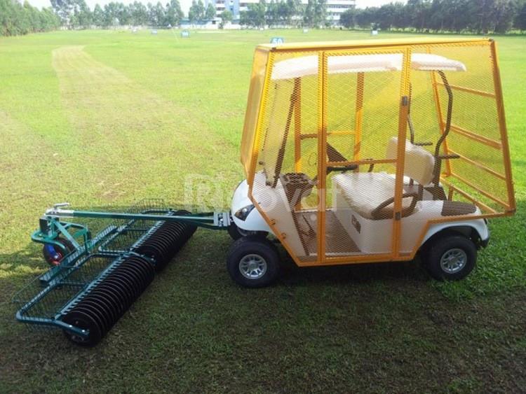 Xe nhặt bóng golf