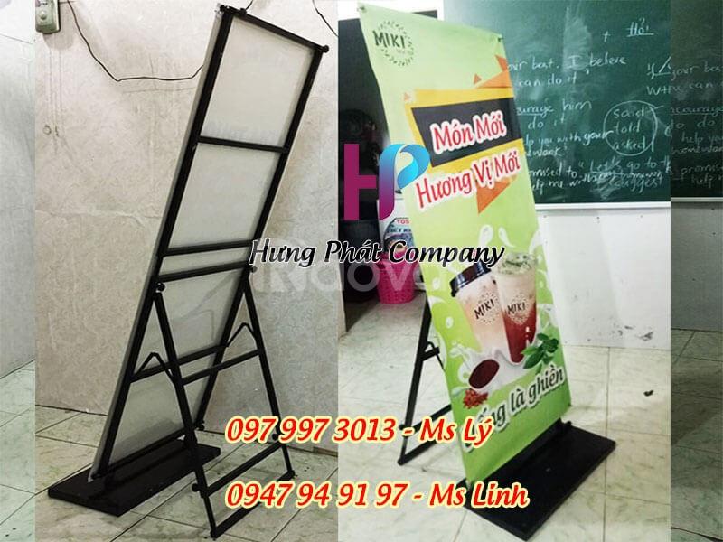 Khung sắt treo banner quảng cáo có thể tăng đơ kích thước và tháo lắp