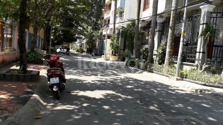 Mặt tiền Nguyễn Đình Chính, P15, Phú Nhuận
