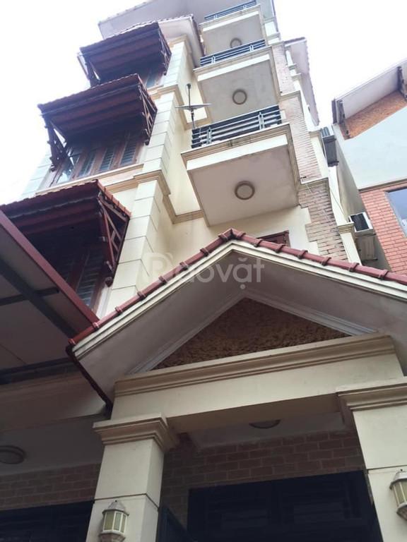 Bán Biệt thự sân vườn 155m2 lô góc phố Lạc Long Quân.Gần phố gần Hồ Tây