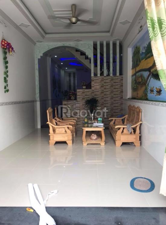 Bán nhà Nguyễn Ngọc Vũ - Cầu Giấy lô góc, ô tô vào nhà 40m giá 5.5 tỷ