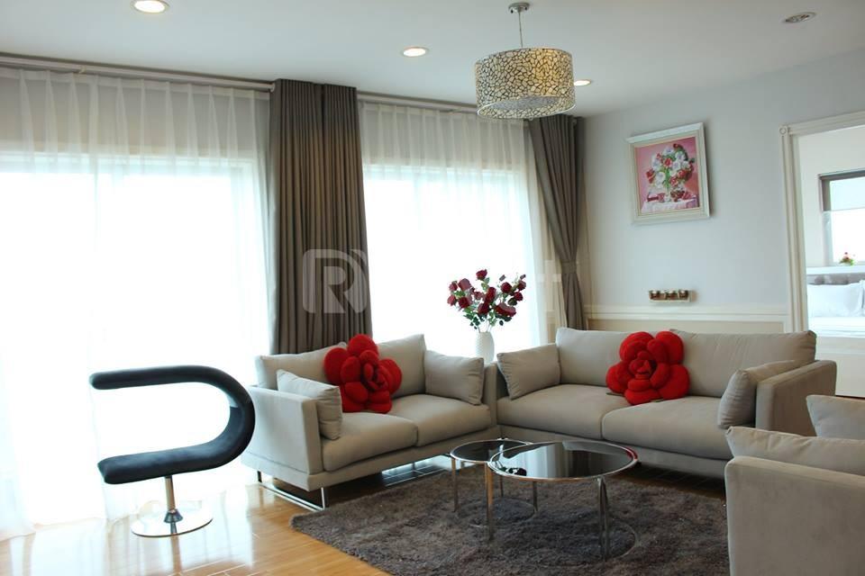 Cần cho thuê gấp căn hộ tại chung cư 101 Láng Hạ 164m2, 3PN, giá 15tr