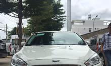 Ford Focus, giá tốt, tặng gói phụ kiện trị giá 40 triệu, gọi ngay