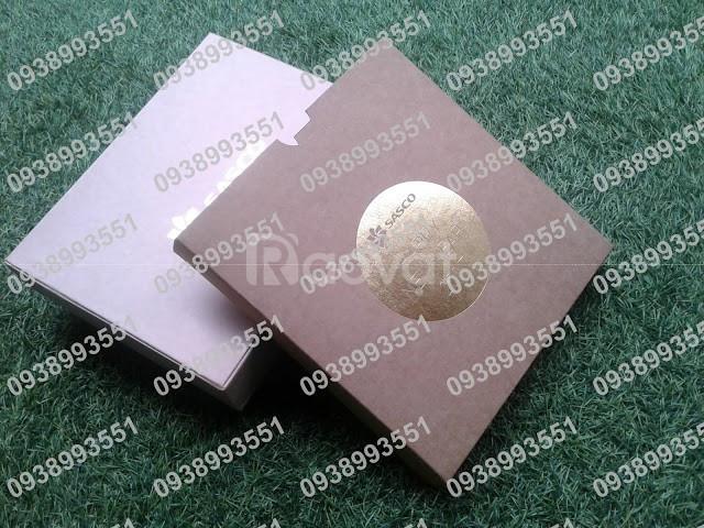 Làm hộp đựng quà tặng theo yêu cầu, hộp giấy cứng chất lượng 