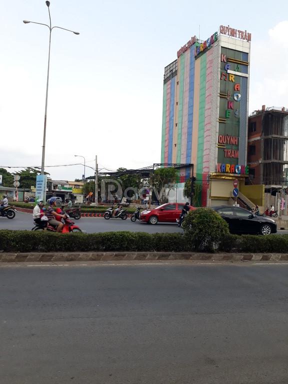 Bán nhà 105m2 mặt tiền đường Hà Huy Giáp, quận 12, tiện kinh doanh