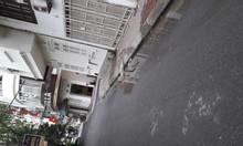 Cho thuê nhà riêng ngõ 121 Chùa Láng dtsd 180m2*2T giá 18tr/th
