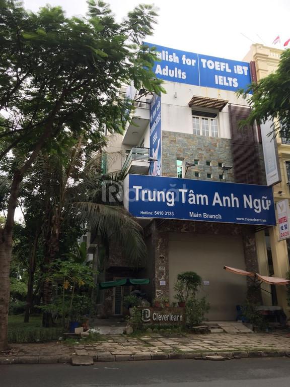 Cho thuê nhà căn đôi ở Phú Mỹ Hưng tiện làm spa, trường học, văn phòng