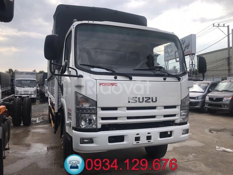 Mua xe tải Isuzu VM 8T2 (8 tấn 2), 8.2 tấn trả góp tại TPHCM