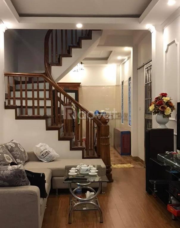 Bán nhà đẹp ngõ Quỳnh, cách mặt phố 10m,40m2x4t