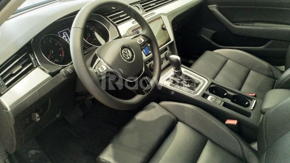 Volkswagen Passat nhập Đức ưu đãi tốt