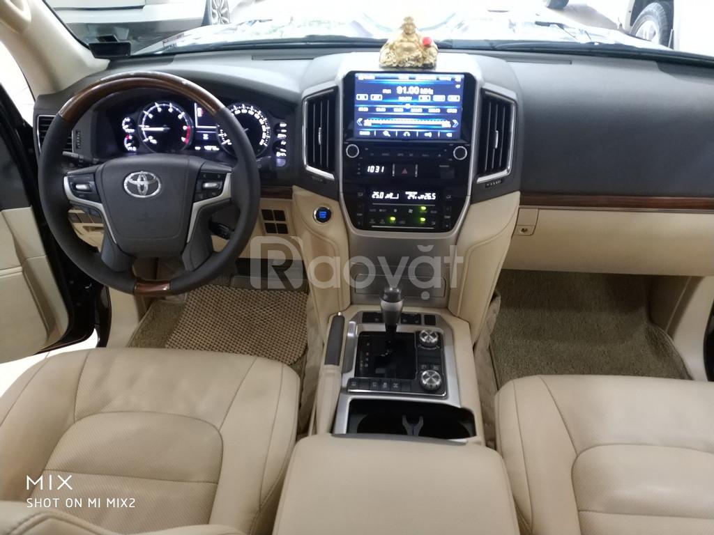 Bán Toyota land Cruiser VX sản xuất 2016 tên công ty