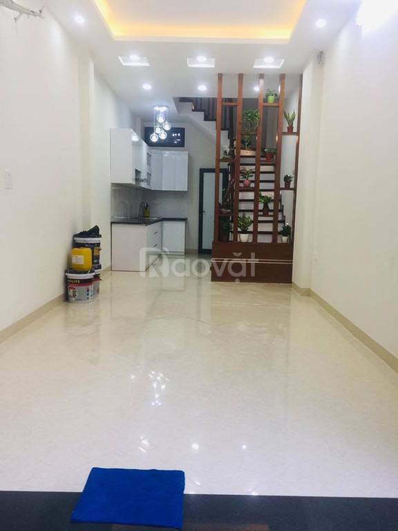 Bán nhà ngõ Hoa Bằng, MT 4.2m , 4 tầng, giá 3.3 tỷ