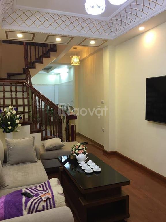 Bán nhà Nguyễn Khang, MT 4.2m, 4 tầng, giá 3.4 tỷ