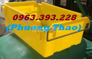 Thùng nhựa đặc A2 có quai xách, hộp nhựa A2 giá rẻ tại Hà Nội