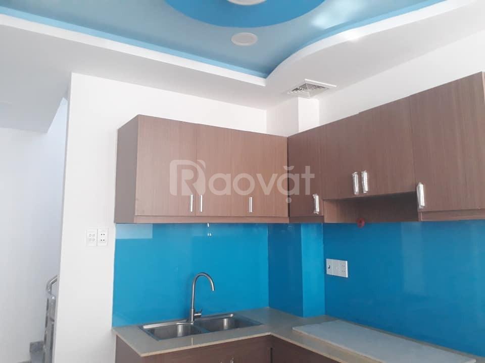 Gia đình bán nhà 4 tầng, giá 5,8 tỷ, đường Nguyễn Tiểu La, quận 10
