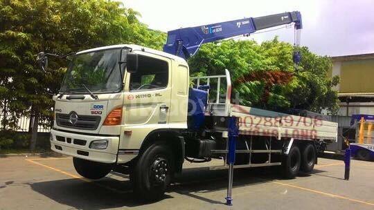 Xe tải cẩu HINO 15 tấn FL8JTSL 2017 lắp cần Tadano ZT825