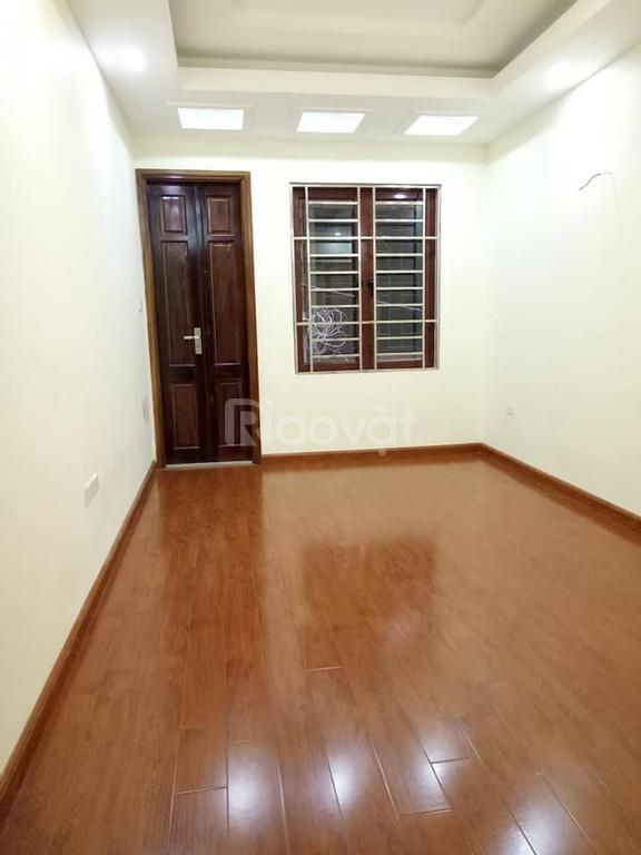 Bán nhà Vũ Tông Phan , 42m2, 5 phòng ngủ, giá 3.4 tỷ